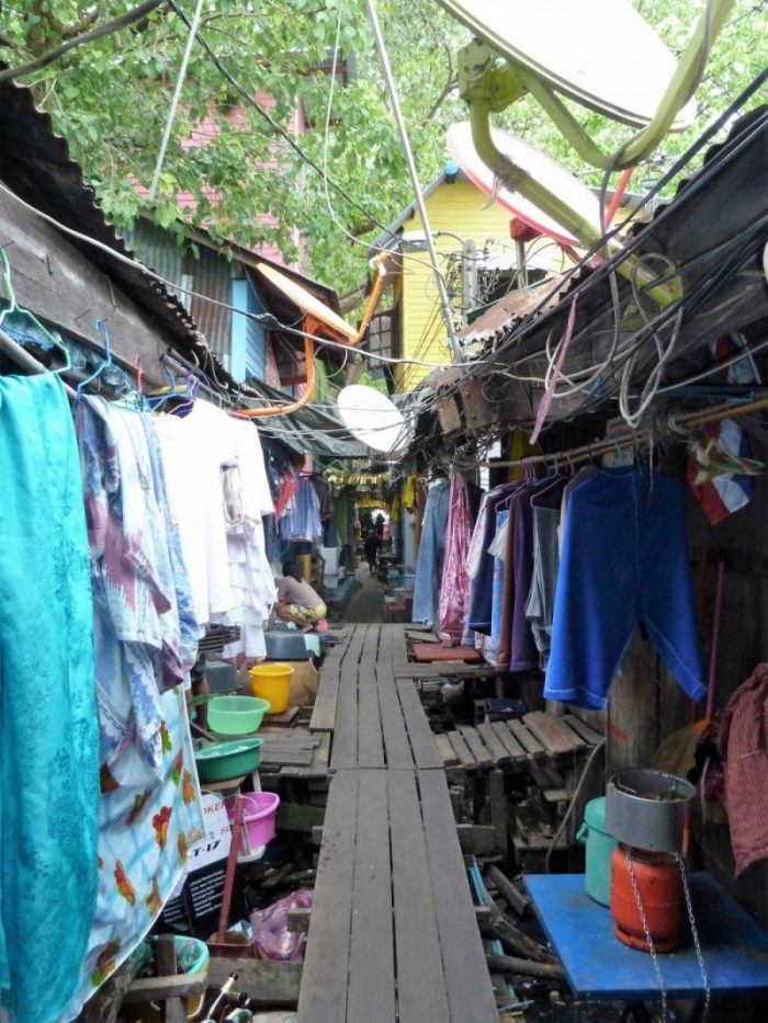Experience the slums of Bangkok