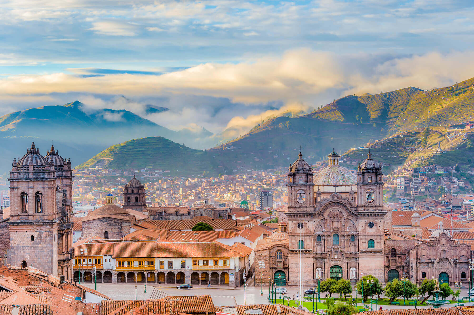 Sunrise at Plaza de Armas in Cuzco